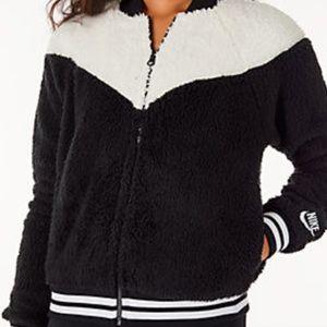Nike Sherpa bomber jacket Xs